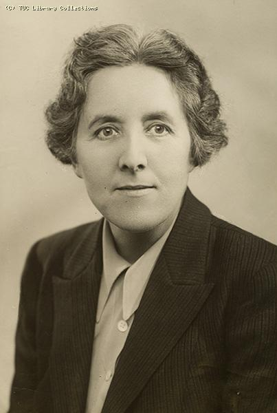 Anne Loughlin, 1942