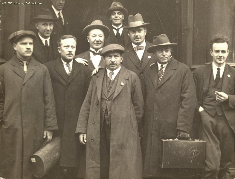 Full Group of Russian delegates - Hull congress 1924