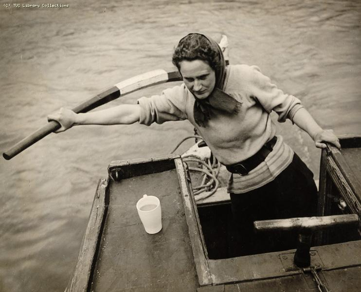 Boatwomen Training Scheme, 1943