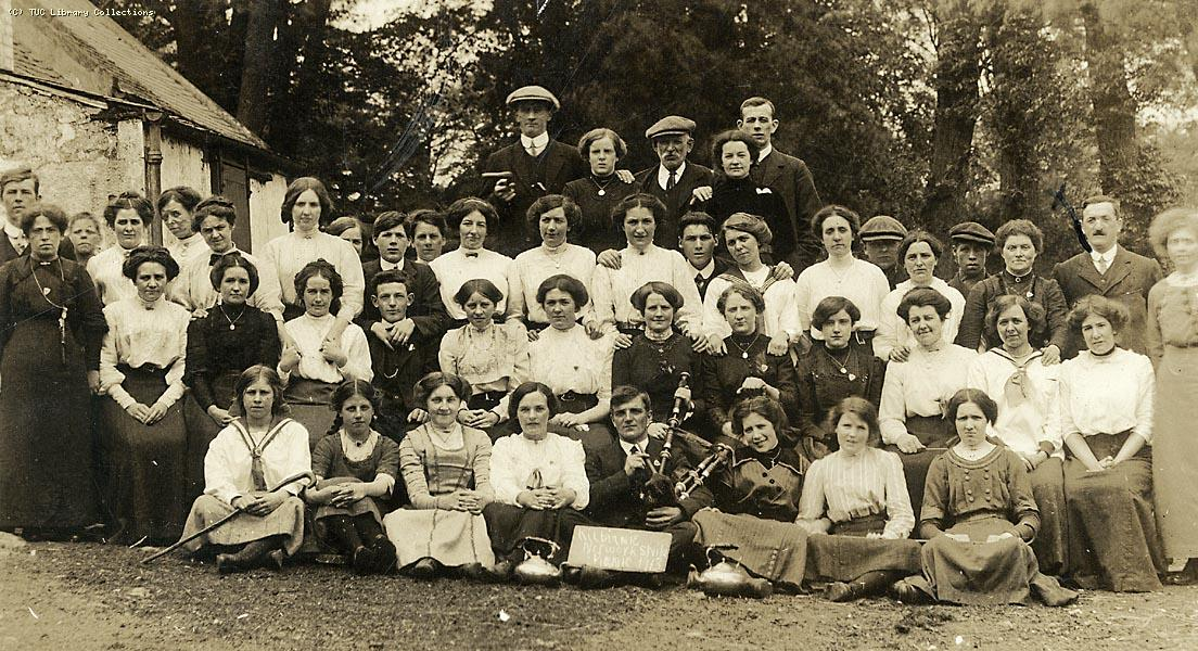 Kilbirnie network strikers picnic,  9 June 1913